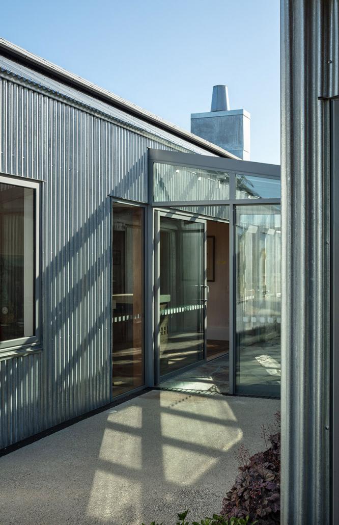 Rowe Baetens Architecture, Simon Devitt, Architectural photography, Vineyard, South Island, New Zealand, Commercial Architecture